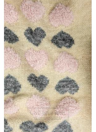 Beżowy sweter z serduszkami