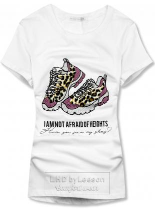 Biała koszulka damska z motywem butów