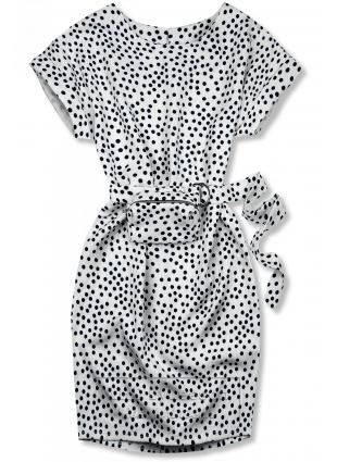 Biała sukienka w kropki z torebeczką na pasku