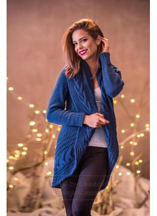 Niebieski dzianinowy sweter